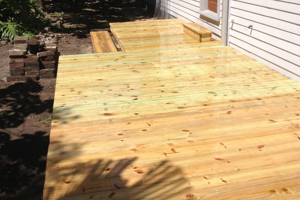 nw orleans deck construction